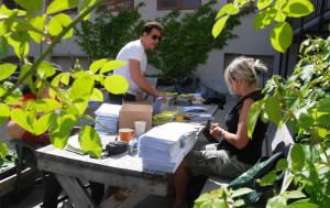 Helen Hansen, Rune Lundby og gode hjelpere har sendt ut 3068 TD-hefter pr. gammeldags post