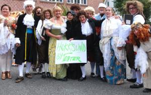 En glad gjeng fra Hokksund ByTeater - her fra et tidligere Teaterdagbesøk.