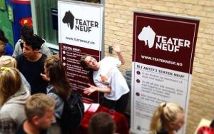 Aktivitet i Oslo. (fra Teater Neufs nettside)