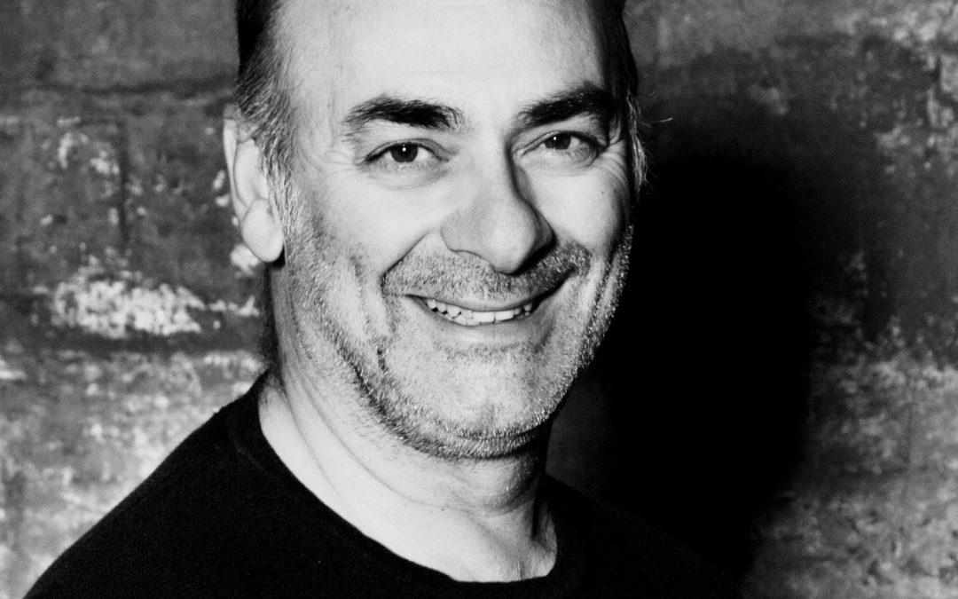 Fordypning i improvisasjonsteater med Tony Totino
